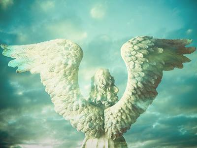 angel-clouds-statue-blue_credit-Shutterstock